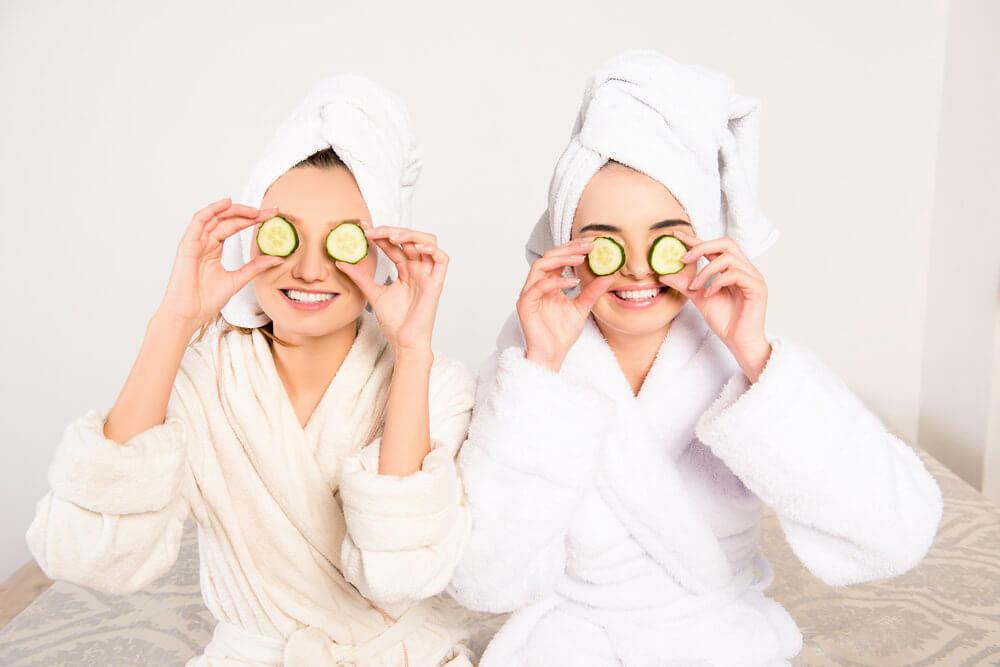 12 Remédios Caseiros Para Remover Olheiras e Sinais De Envelhecimento Em Seu Rosto