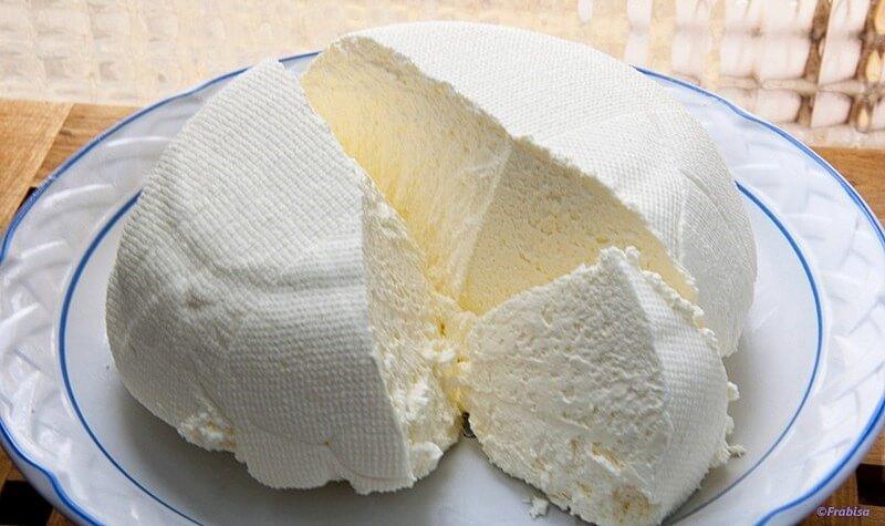 Leite, Iogurte e Meio Limão Isso é Tudo o Que Você Precisa Para Fazer Um Delicioso Queijo Caseiro