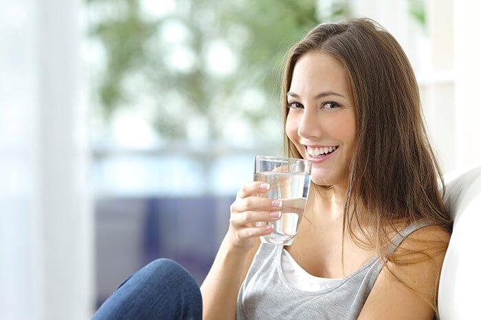 Beba 8 Copos De Água Por Dia e Veja o Que Acontece Com o Seu Corpo