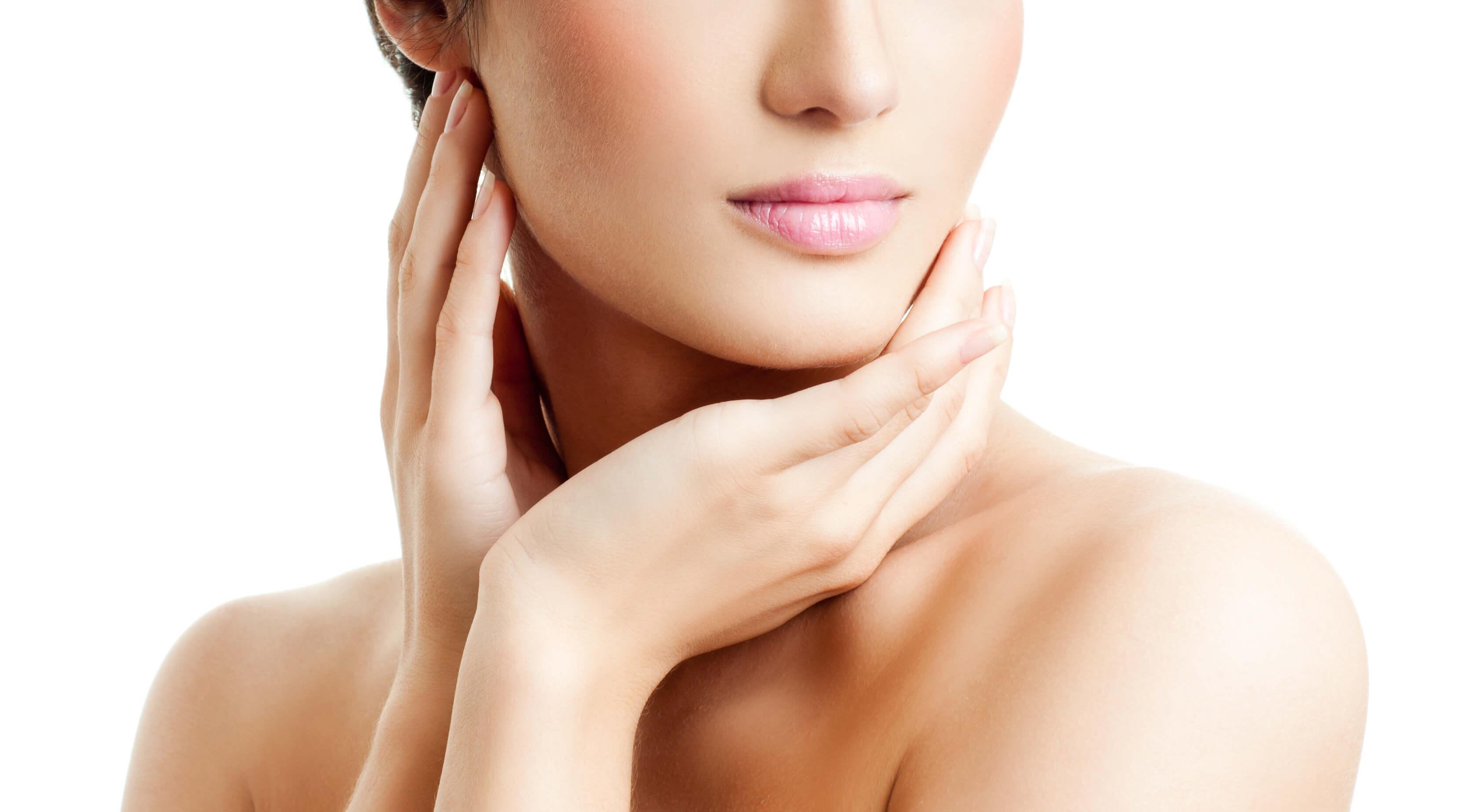 Dermatologistas Revelam 7 Produtos Que Você Nunca Deve Colocar Em Seu Rosto