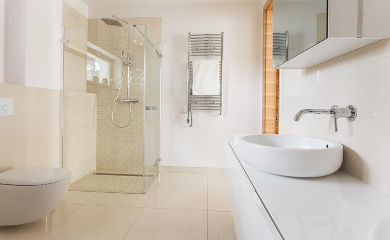 Você nunca teve um banheiro tão limpo – Uma vela é tudo o que você precisa!