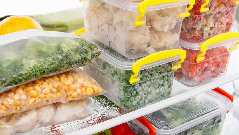 Alimentos Que Você NUNCA Deve Manter Em Potes De Plástico