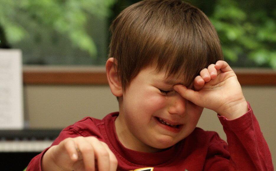 You are currently viewing Nunca mande uma criança engolir o choro – O motivo é surpreendente!