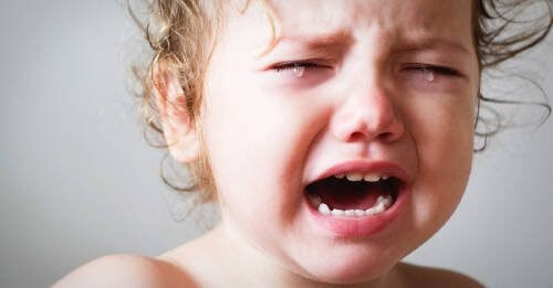 """Substitua o """"não chore"""" por essas frases mais amorosas para acalmar seu filho"""