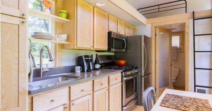 Descubra os efeitos nocivos que o microondas causa a sua cozinha