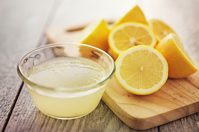 Se Você Tiver Um Desses 13 Problemas a Água Com Limão Pode Te Ajudar