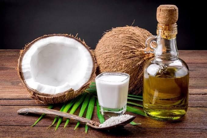 You are currently viewing Você sabe fazer óleo de coco caseiro? É muito fácil!